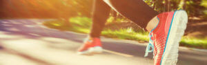 Header-woman-running-shoes