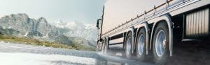 Header-semi-truck-in-water